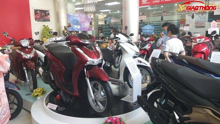 Honda SH 2019 bị săn lùng khiến giá bán chênh tới gần 50 triệu đồng
