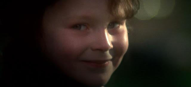 Damien di film The Omen (1976) yang mukanya nyeremin abis