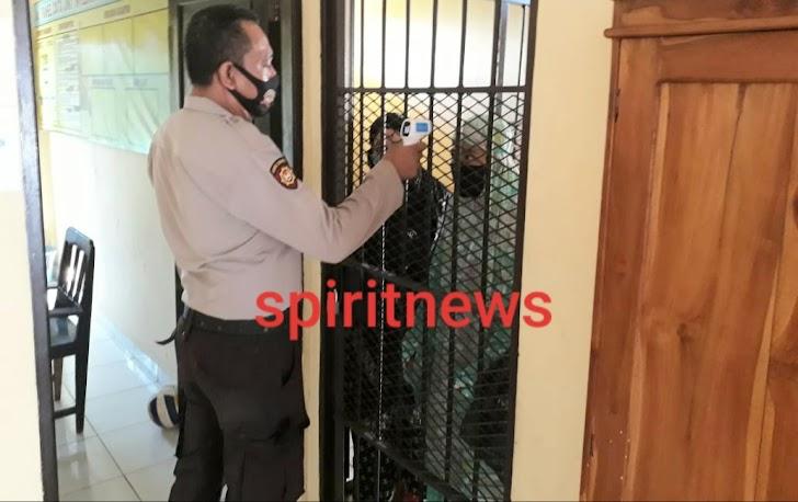 Kontrol Ruang Tahanan, Ini Penekanan Kapolsek Polsel Kepada Anggota Piket Jaga Mako Polsek Polsel