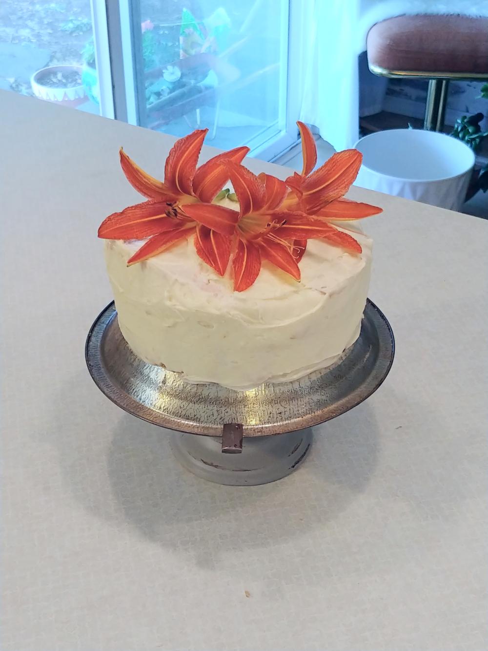 cake on upcycled cake plate