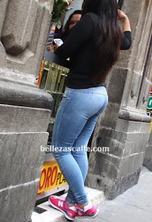 Culona en jeans lisos - 3 2