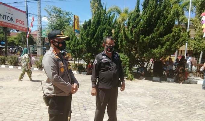 """Polres Sibolga & Team Satgas Covid-19, """"Bubarkan Pembagian Bantuan di Kantor Pos Sibolga"""""""