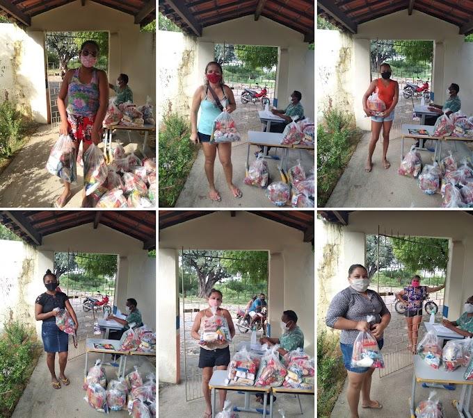 Secretaria da Educação de Cariré promoveu a  distribuição dos kits de alimentos da merenda escolar