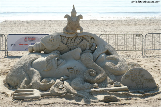 """Save Our Ocean Stop Plastic Pollution"" de Sudarsan Pattnaik en el Festival de Revere, Massachusetts"