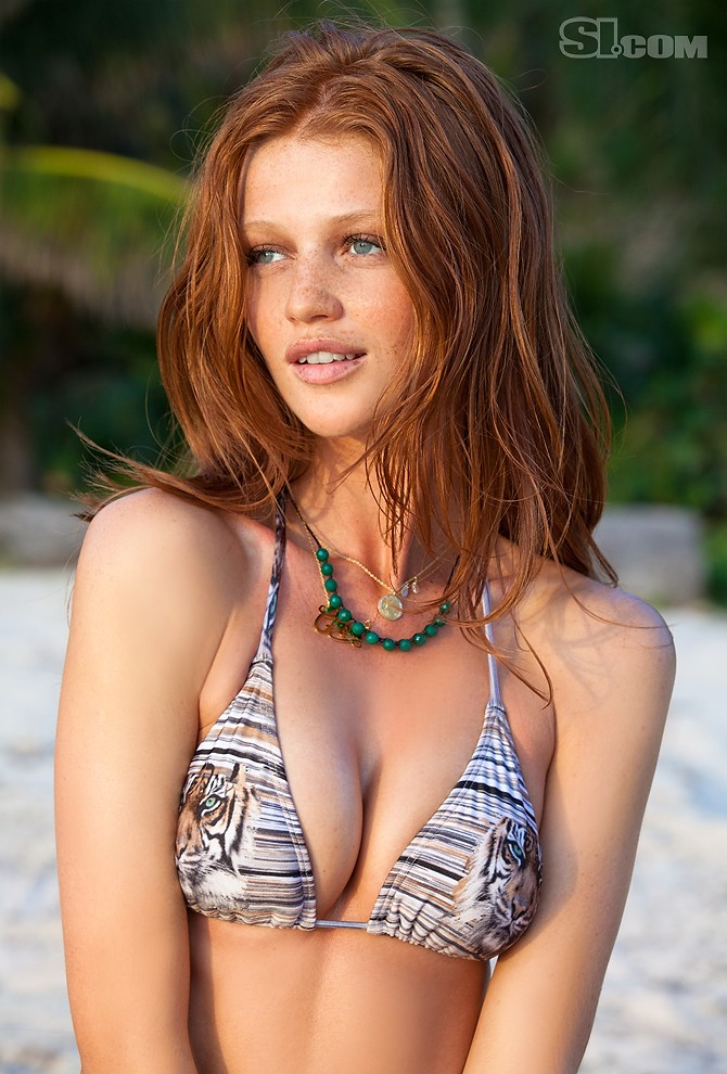 Au o Uo Hairstyle: Cinita Dicker (SI swimsuit 2011)