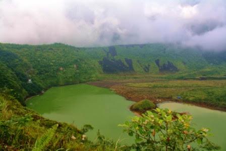 Kawah Gunung Galunggung.