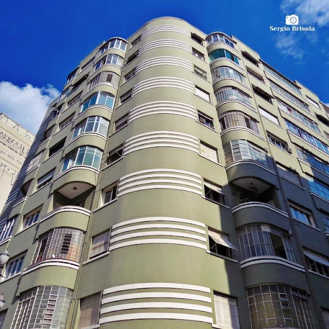 Perspectiva inferior da fachada do Edifício Livia Maria - Centro - São Paulo
