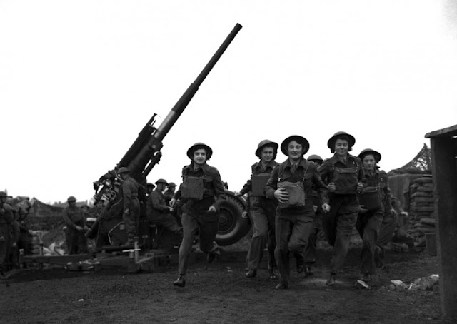 London artillery girls 20 May 1941 worldwartwo.filminspector.com