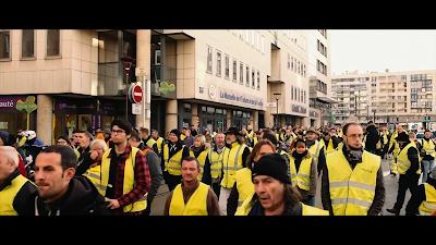 """Cena do documentário """"O Paradoxo da Democracia""""(crédito: canal Curta!)"""