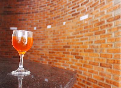 Bir Pletok sebagai welcome drink di Pulau Bidadari