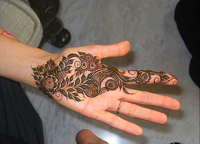 Mehndi Quotes For Him : Easy and simple mehndi designs for kids hands collection