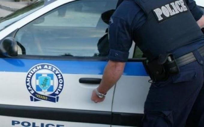 Αστυνομικός-σκοπός έξω από το σπίτι της Παπακώστα τραυμάτισε με το όπλο του γυναίκα μετά από «παιχνίδι»