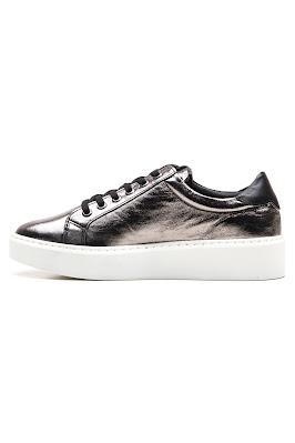 gümüş metal rengi bayan ayakkabı