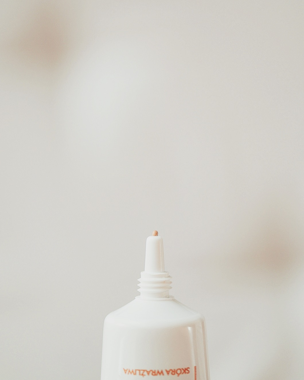 IWOSTIN SOLERCIN BB KREM SPF 50+ krme barwiący krem z filtrem wyrównujący koloryt bb dla skóry trądzikowej
