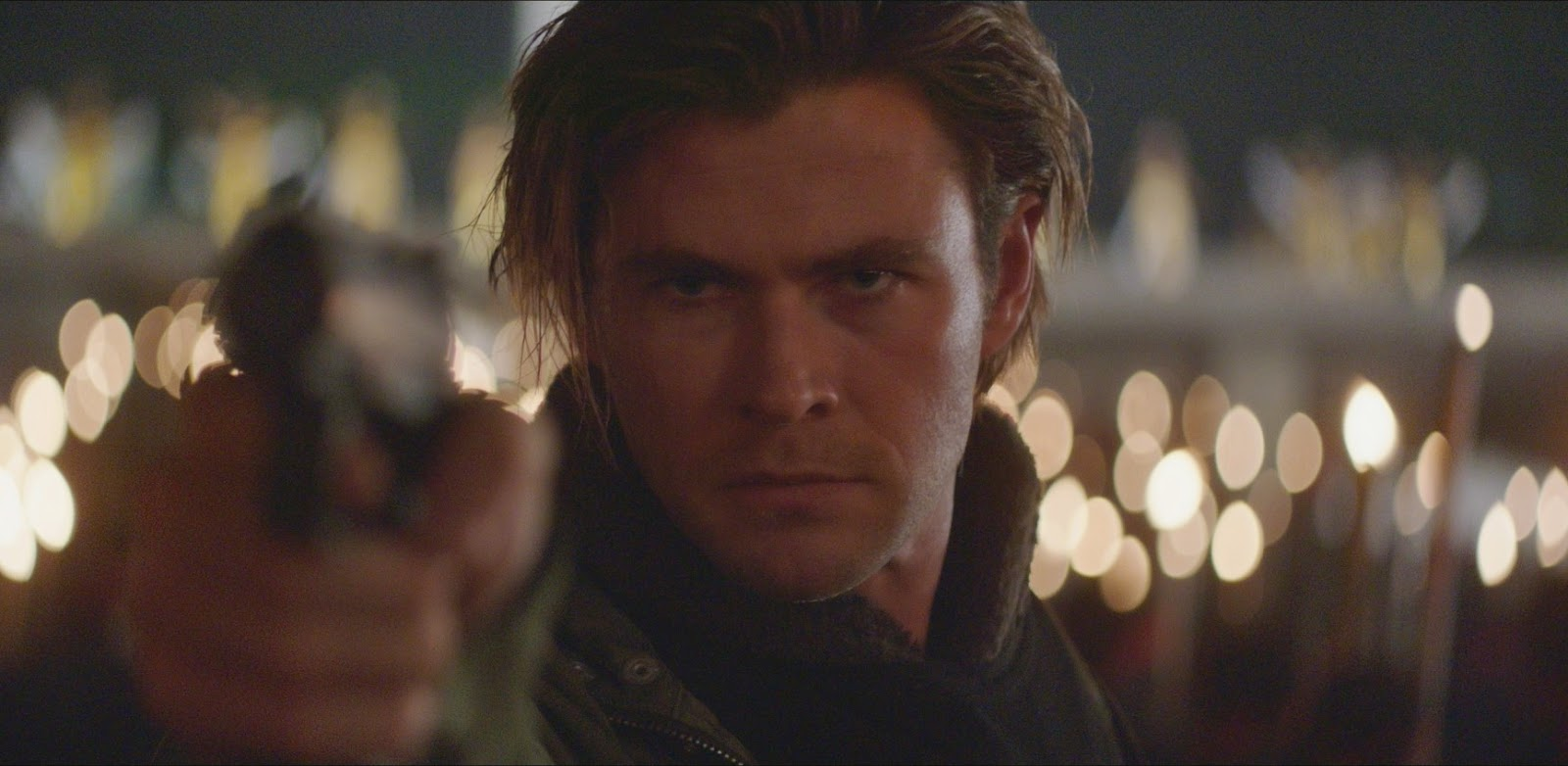 Chris Hemsworth caça cibercriminosos no primeiro trailer de Blackhat, novo filme de Michael Mann