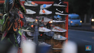 Ini Bukti Sepatu Impor Vietnam Obrak-Abrik Pasar RI