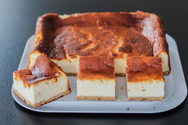 ciasta i desery, sernik, sernik z 8 jaj, sernik z sera z wiaderka, sernik na herbatnikach, dobry sernik, puszysty sernik