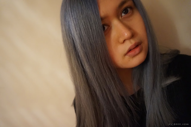 Hair colour under incadescent lights