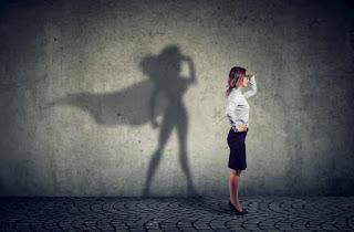 تصور نفسك كما تريد أن تكون. أكد نفسك . افعل شيئًا يخيفك كل يوم. سؤال الناقد الداخلية الخاصة بك. خذ 100 يوم من تحدي الرفض. ضع نفسك للفوز. مساعدة شخص