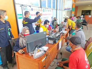 Masyarakat Maritim Pelabuhan Tanjungpandan Gelar Vaksinasi di Terminal Penumpang Laskar Pelangi
