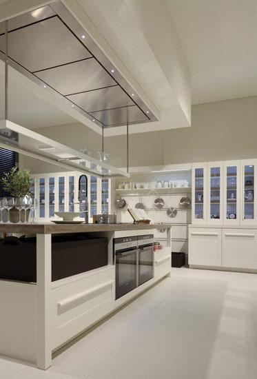 timeless kitchen design by salvarini luxury lifestyle. Black Bedroom Furniture Sets. Home Design Ideas