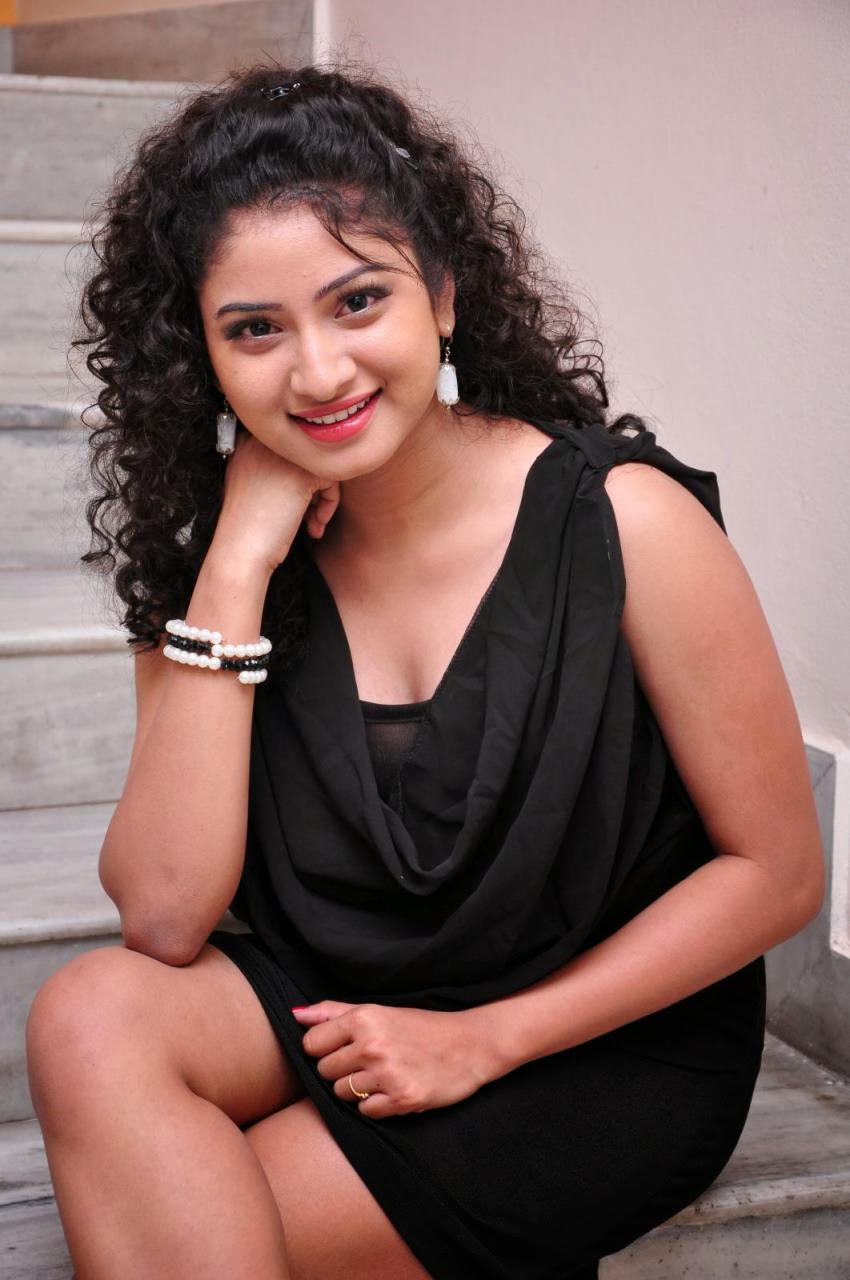Telugu Anchor Vishnu Priya Nude Photos