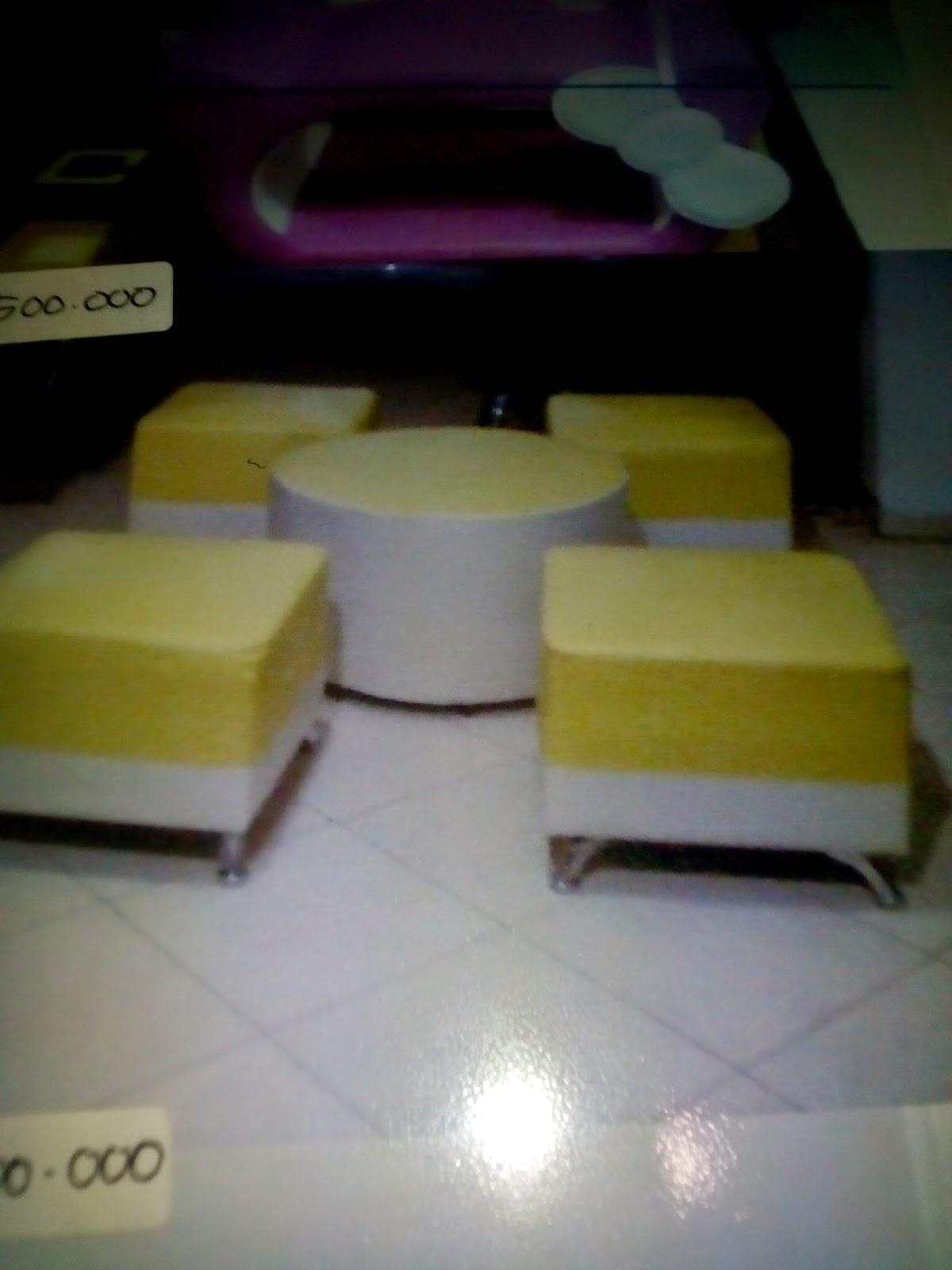 Sofa Type 4 Puff Meja Bulat