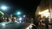Madrugada de terror em Campo Grande/RN, Bandidos explodem agência do BB, metralham veículo de PM e queimam outro na fuga.