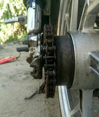 Efek Rantai Motor Terlalu Kencang