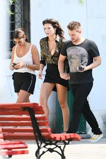 Bella-Thorne-suffers-a-wardrobe-malfunction-Benjamin-Mascolo-in-Italy.-17fcnjmva3.jpg