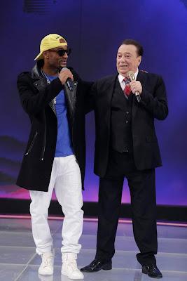 Raul com rapper americano Gshytt  (Crédito: Rodrigo Belentani/SBT)