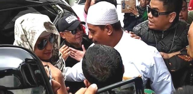 Makanya Habib Bahar Hormati Presiden Dong, PDIP: Masyarakat Jangan Niru Yah