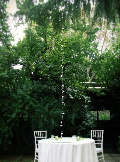 Ghirlande di fiori di carta per matrimonio green in stile botanico organico