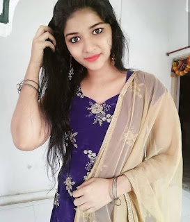 Indian simple girl profile picture Navel Queens