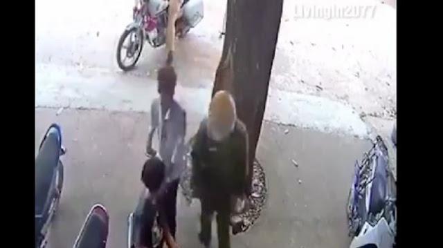 Cerdik! Langgar Aturan Lalu Lintas, Dua Bocah Ini Sukses Kibuli Polisi