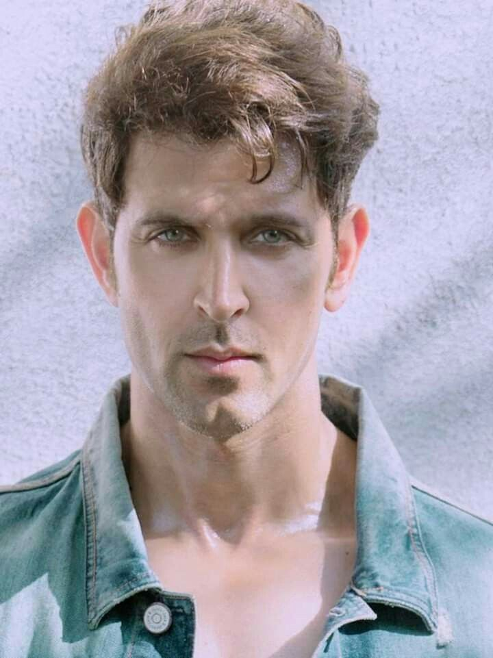 Top handsome hero Hrithik Roshan pictures collection for download