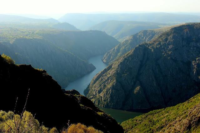 Los cañones del río Sil. Ribera Sacra, Orense