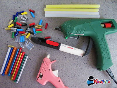 strumenti per applicare la colla a caldo