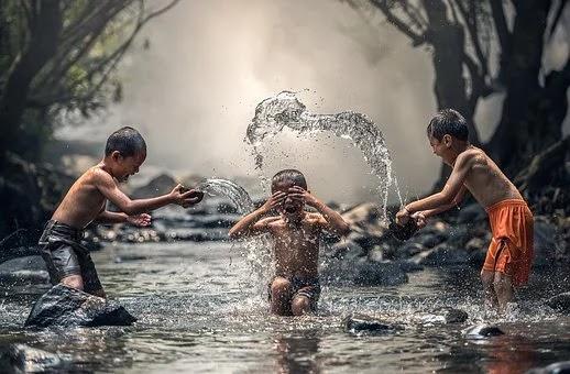 Hal Luarbiasa Yang Kamu Dapatkan Saat Mandi Pagi Dengan Air Dingin