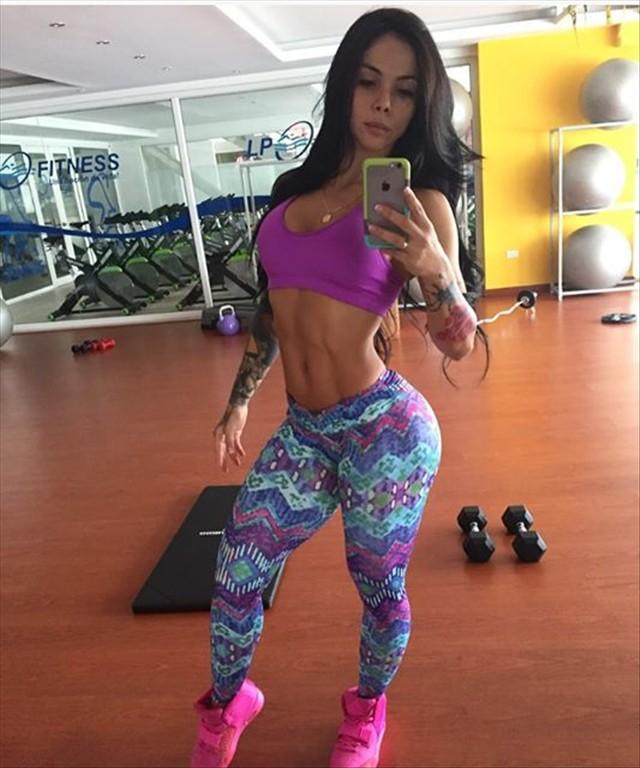 Fitness Model Angelica Hernandez @angelitahera Instagram photos