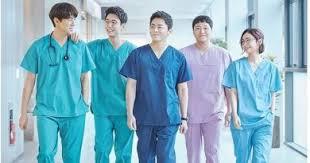 """Kisah Seru Para Dokter di """"Hospital Playlist"""", Bukan Drama Medis Biasa"""