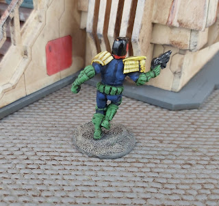 A 28mm street judge for the Judge Dredd Miniatures Game