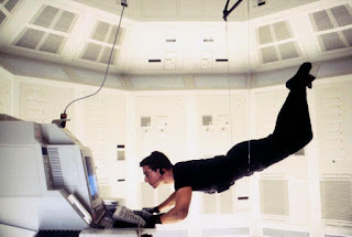 Mission Impossible 1996 Tom Cruise hanging