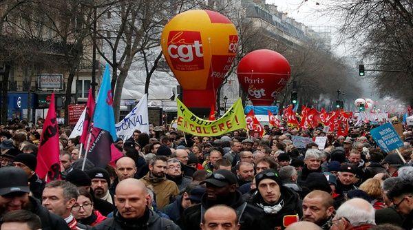 Francia vive nueva protesta masiva contra reforma de pensiones