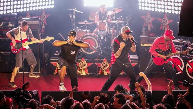 Audioslave regresa para tocar una versión instrumental de 'Like a Stone'; honran a Chris Cornell