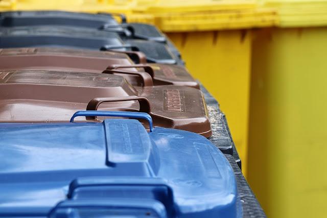 rifiuti domestici-bidoni-raccolta differenziata