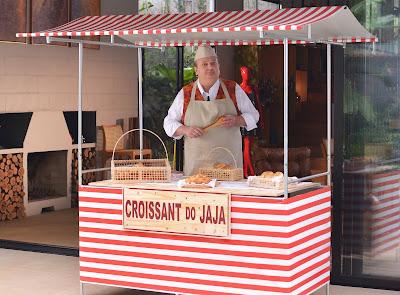 Chef comanda a barraquinha Croissant do Jaja no penúltimo episódio. Crédito: Luccas Mattos/Vibra Studio