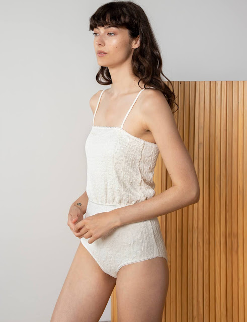 TEXTURED CRINKLED IVORY SWIMSUIT