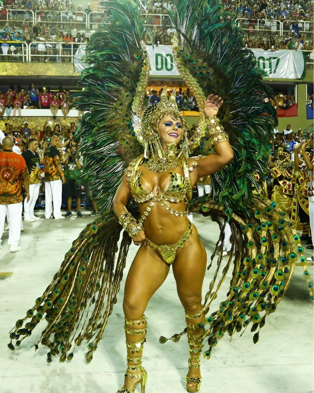 Viviane Araújo desfila de rainha-faraó na Sapucaí. Foto: Roberto Filho/Agência Brazil News