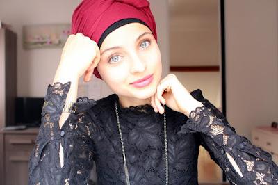 Mennel Ibtissem, actrice et victime de son fanatisme religieux